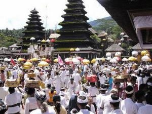 hari raya galungan di Bali