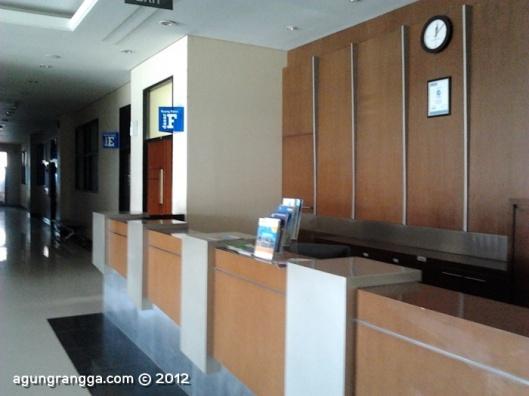 lobby utama IMTelkom