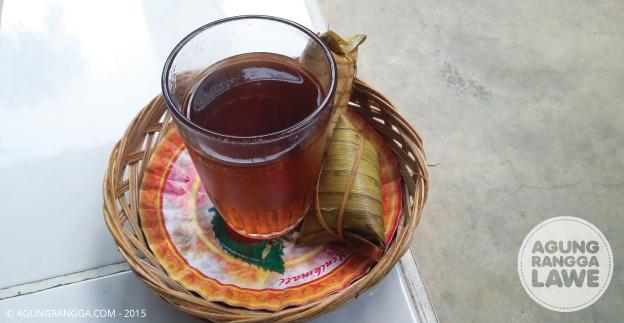 teh hangat dan jaje bantal