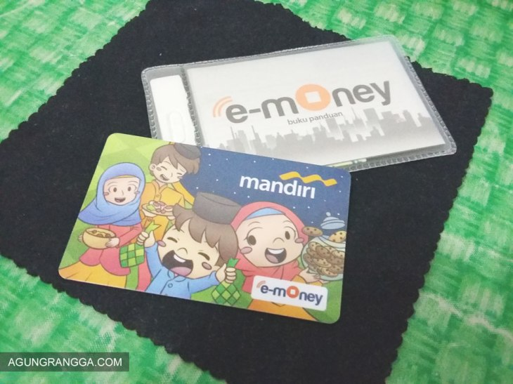 Paket penjualan kartu Mandiri e-money