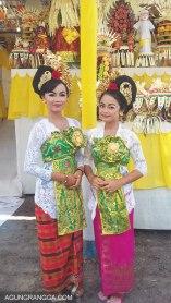 Dewi (kiri) dan Ayu Gek (kanan)