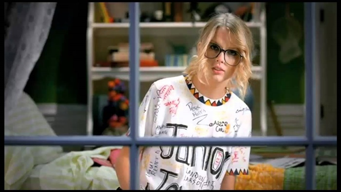 Taylor Swift – You Belong With Me | Videonya Wah!