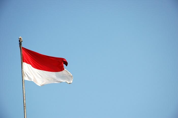 Aku Benci Upacara Bendera!!! | Lebay…