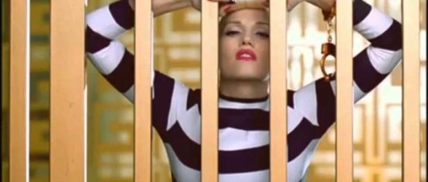 Gwen Stefani – The Sweet Escape (feat. Akon) | kabur!!!