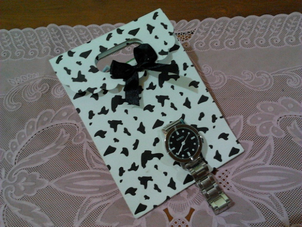 kado dari teman GSL, sebuah jam tangan