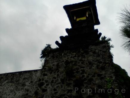 menara tinggi, di sana ada 'kentungan' besar loh~