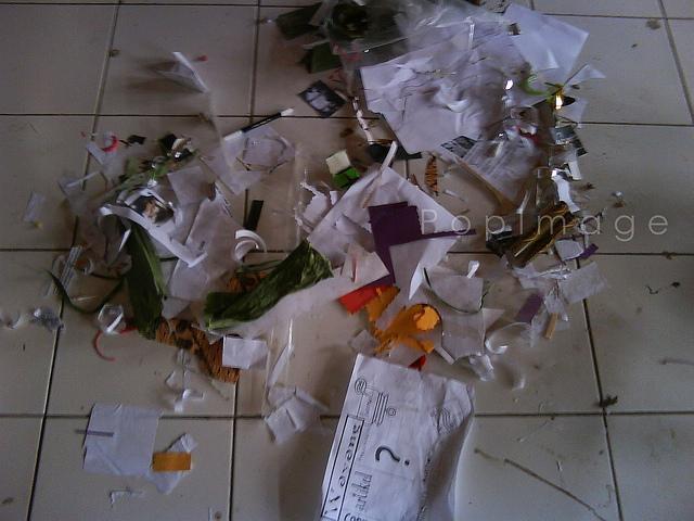 sisa sampah dari mading kami