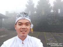 selfie di tengah kabut