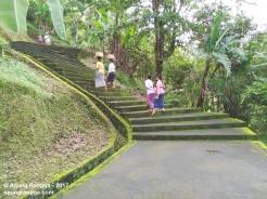 tangga yang berliku-liku