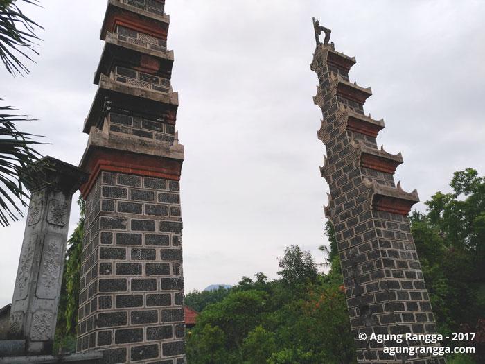 gerbang masuk Taman Soekasada Ujung