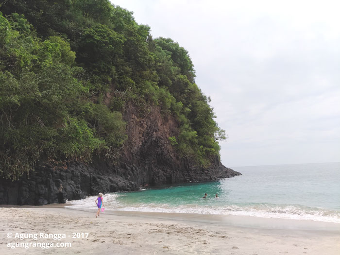 indahnya pantai Virgin Beach