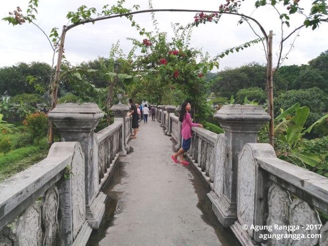 jembatan indah Taman Soekasada Ujung