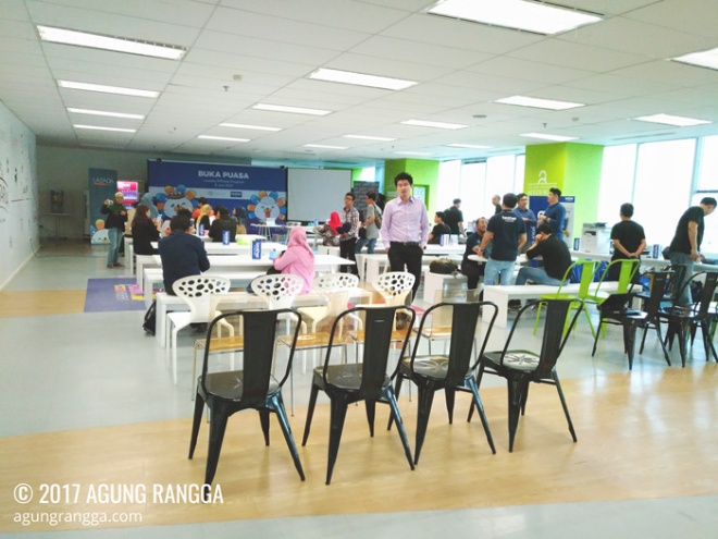 suasana gathering blogger Lazada