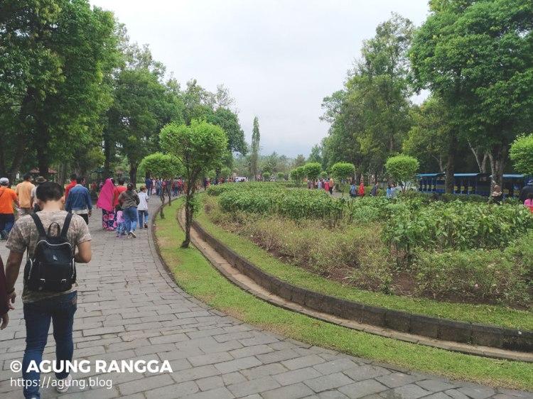jalan menuju ke Candi Borobudur