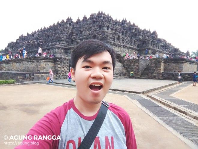 selfie di depan Candi Borobudur