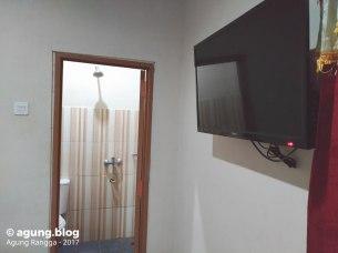 ada televisi di kamar Hotel Srikandi Yogyakarta