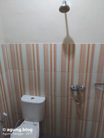 kamar mandi di Hotel Srikandi Yogyakarta