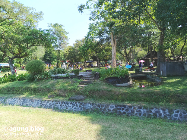 taman-taman di Candi Prambanan