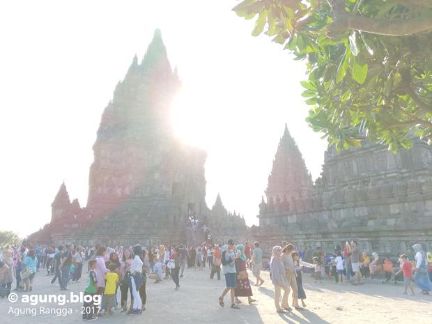 wisatawan di Candi Prambanan