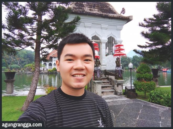 Januari - Saat jalan-jalan di Taman Soekasada Ujung