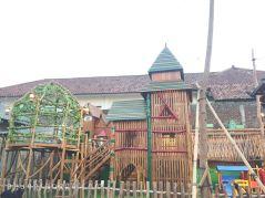 Arena bermain di Chinatown Bandung