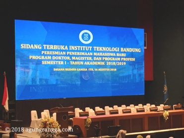 sidang terbuka penerimaan mahasiswa baru ITB