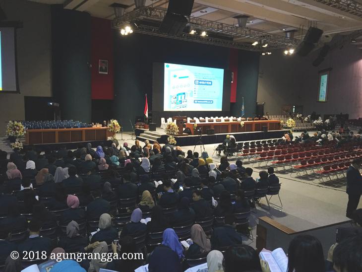 suasana sidang terbuka