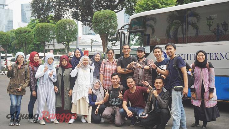 Oktober - Pergi ke Jakarta bareng teman-teman unggulan