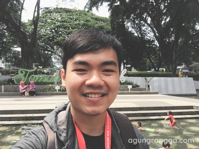 Jalan-jalan ke Taman Balai Kota Bandung