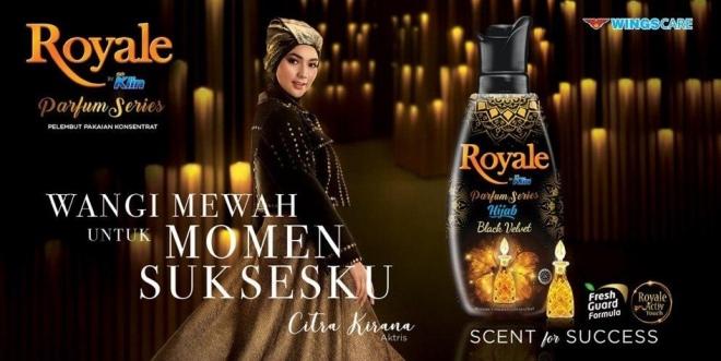 Citra Kirana sebagai brand ambassador Royale by So Klin Hijab Black Velvet