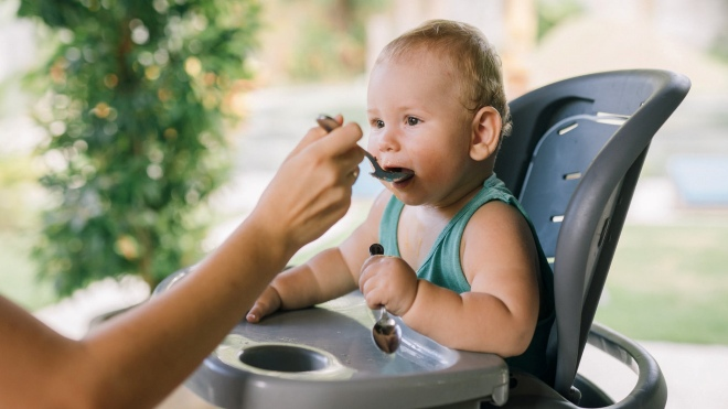 Perlunya memberikan makanan pendamping ASI untuk bayi