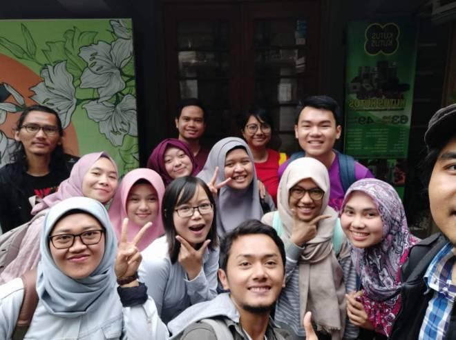 Kumpul-kumpul bersama teman sekelas